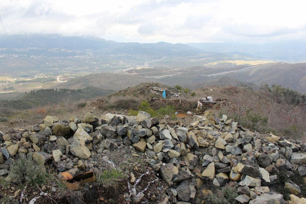 Posições de onde, em novembro de 2015, os terroristas fizeram fogo contra militares russos na província síria de Latakia