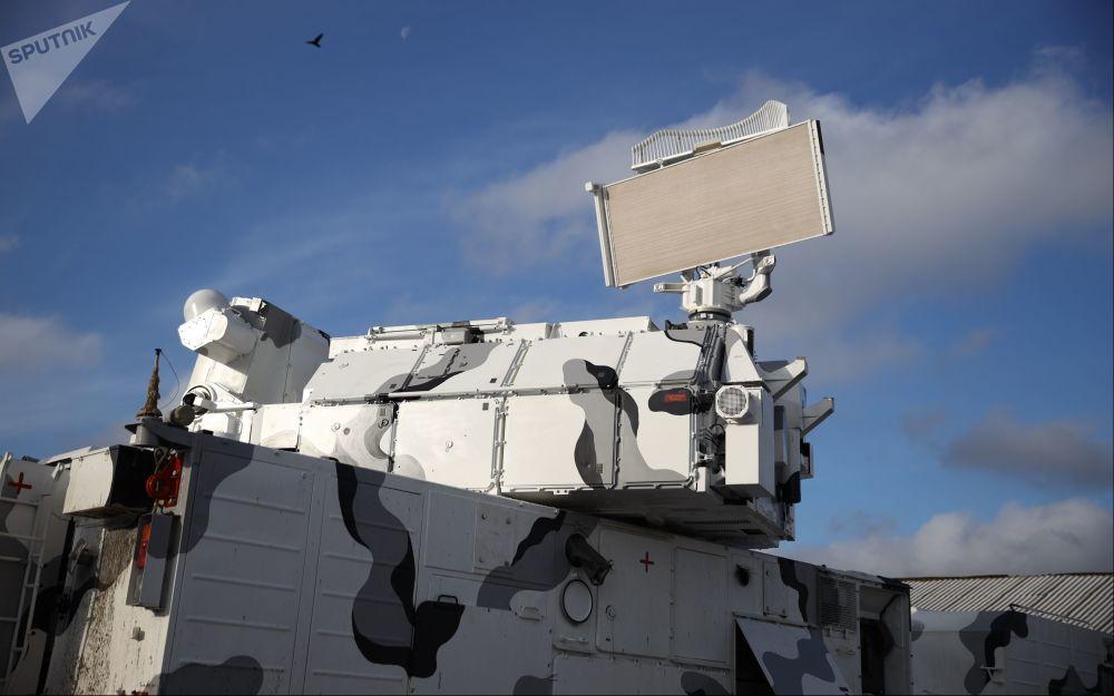 O Tor-M2DT é capaz de cobrir o espaço aéreo em um raio não inferior a 15 km contra meios aéreos do inimigo