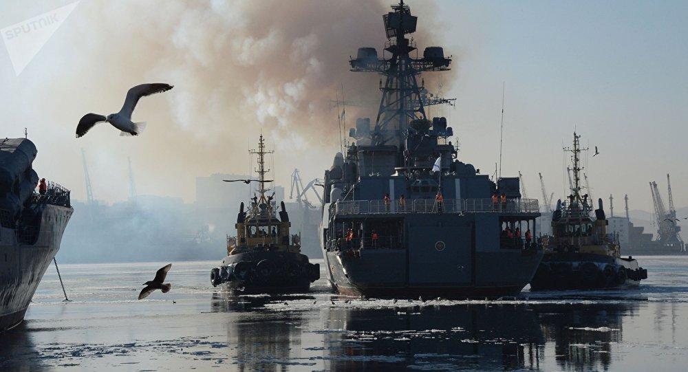 Grande navio antissubmarino russo Admiral Tributs (imagem ilustrativa)