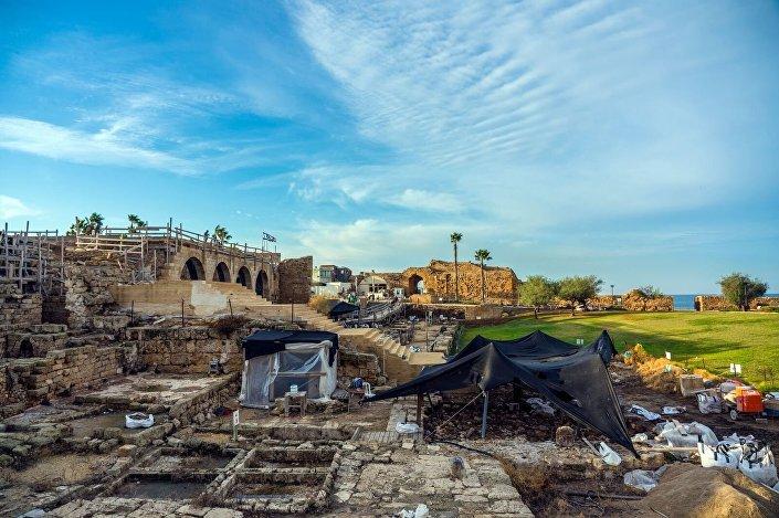 Escavações na cidade de Cesareia, Israel