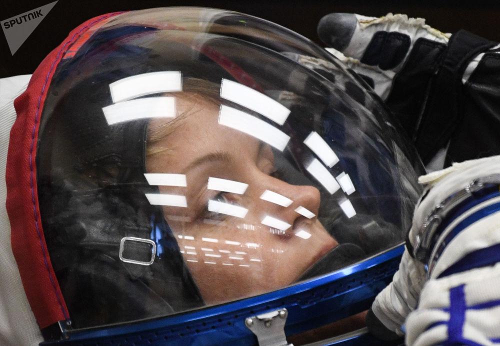 Tripulante da espaçonave Soyuz MS-11, astronauta da NASA Anne McClain.