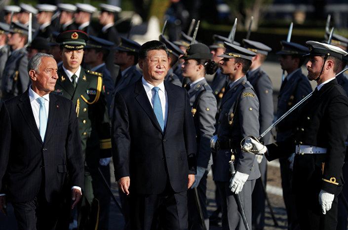 Xi Jinping, líder chinês, com presidente português Marcelo Rebelo de Sousa durante a visista a Portugal realizada em 4 e 5 de dezembro de 2018