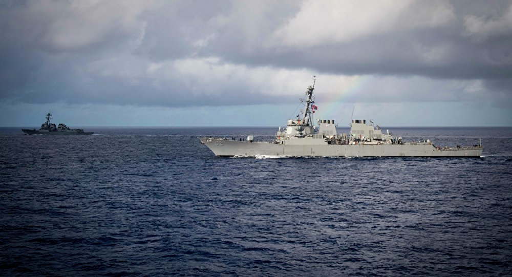 Destróier norte-americano USS McCampbell