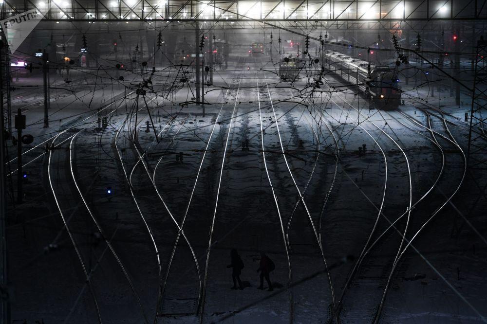 Trens na estação da cidade russa de Novosibirsk