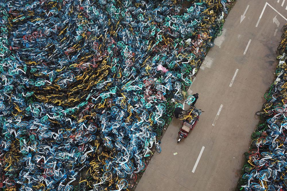 Cemitério de bicicletas na China