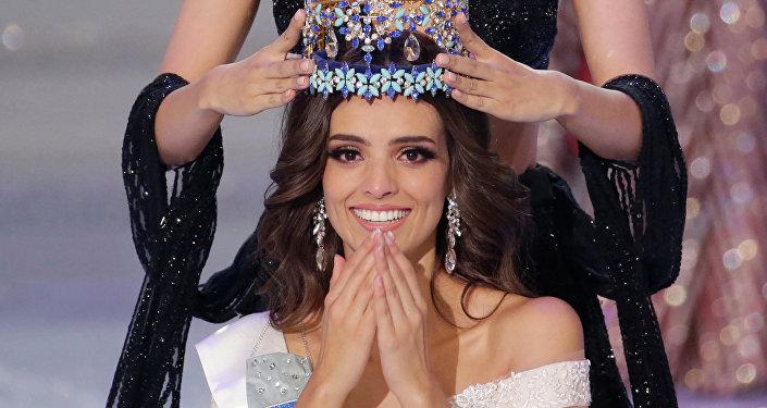 Vanessa Ponce de Leon é coroada após vencer o concurso Miss Mundo 2018