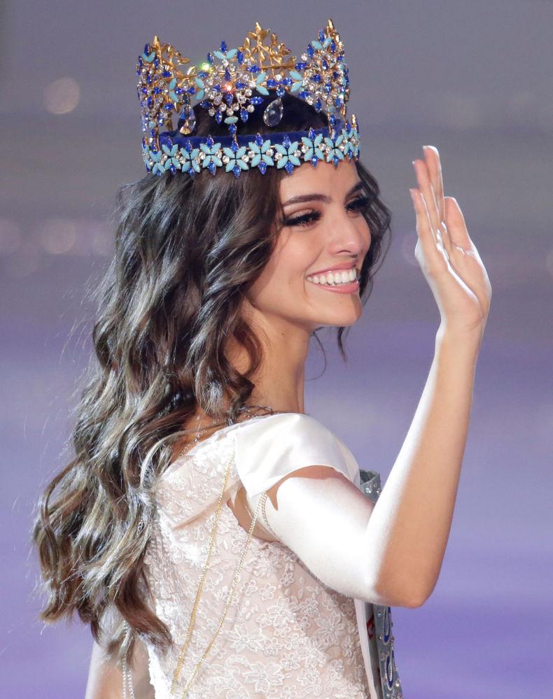 Vanessa Ponce de Leon depois de ganhar o concurso Miss Mundo 2018