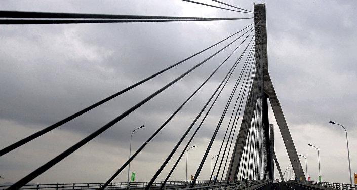 Ponte Donghai, localizada em Xangai, na China, possui mais de 30 quilômetros e é considerada a ponte marítima mais longa chinesa, 10 de dezembro de 2005 (imagem referencial)