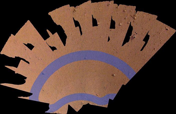 Mosaico único contendo 52 fotos da superfície marciana capturadas pela sonda Insight da agência espacial norte-americana