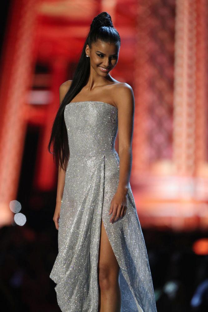 Miss África do Sul, Tamaryn Green, durante a final do concurso Miss Universo 2018 em Bangkok, Tailândia