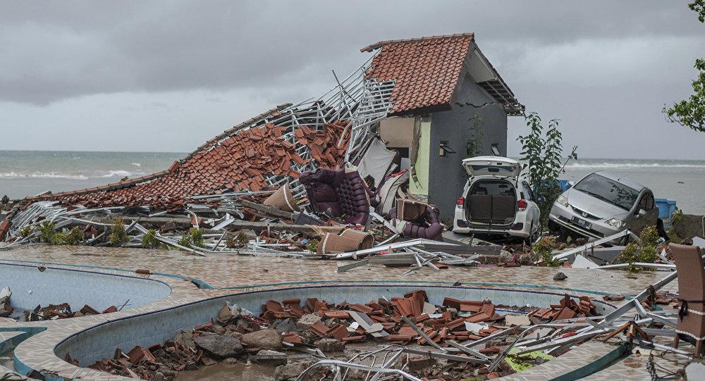 Estragos provocados por tsunami na Indonésia (arquivo)