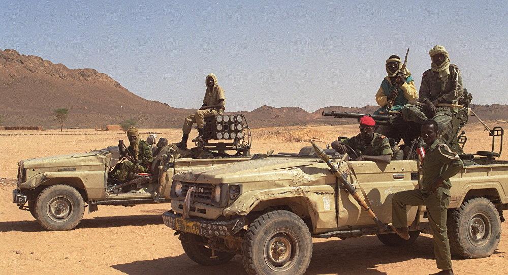 Militares durante patrulha na região de Tibesti, no Chade (arquivo)