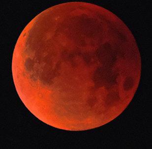 Lua de Sangue no céu de Moscou (foto de arquivo)