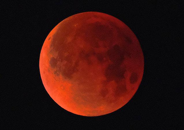 Lua de Sangue (foto de arquivo)