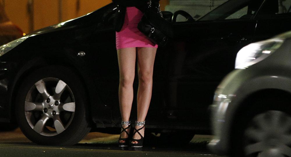 O parlamento israelense aprovou por unanimidade um projeto de lei que proíbe pagar por sexo, mas não prevê qualquer repressão às prostitutas.
