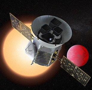 Sonda TESS da NASA na frente de um planeta de lava que orbita sua estrela (imagem ilustrativa)