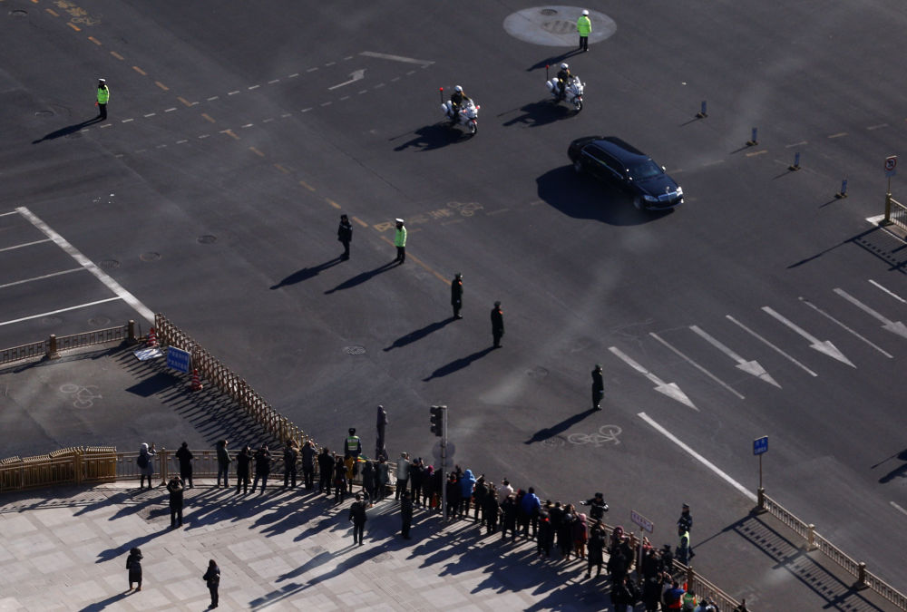 Automóvel transportando o líder norte-coreano, Kim Jong-un, em Pequim