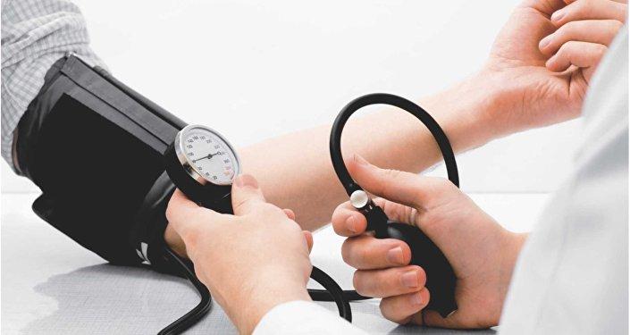 Medição da pressão arterial.