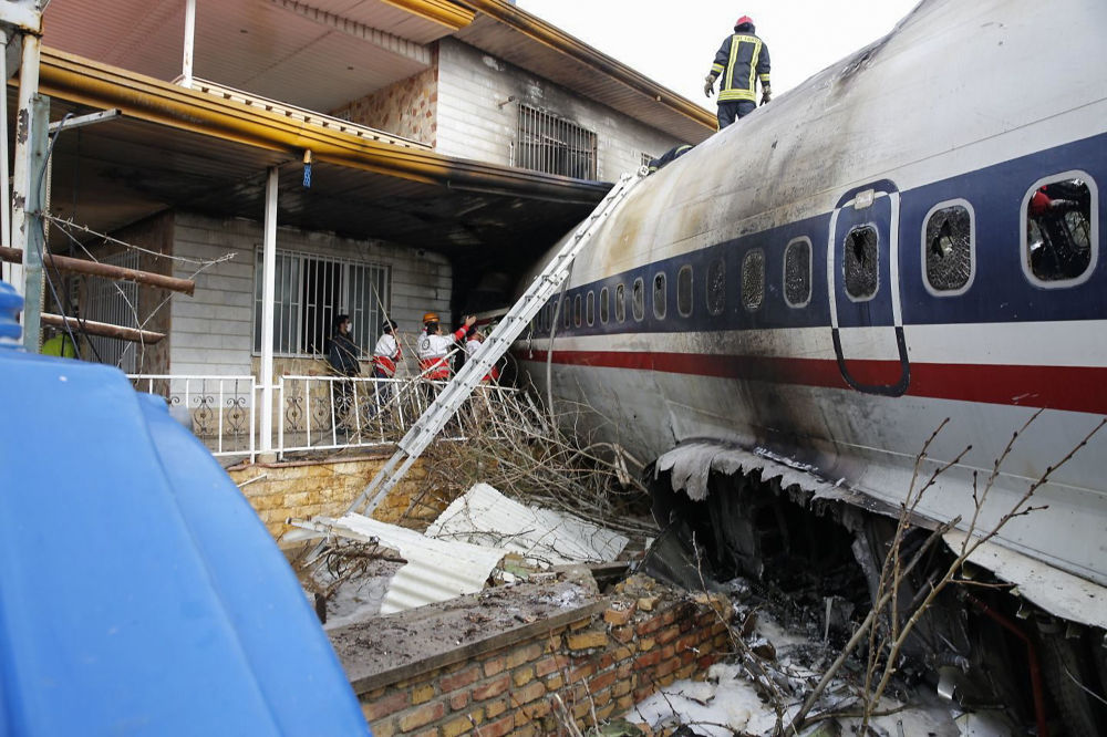 Local do acidente com um avião de carga Boeing 707 no Irã