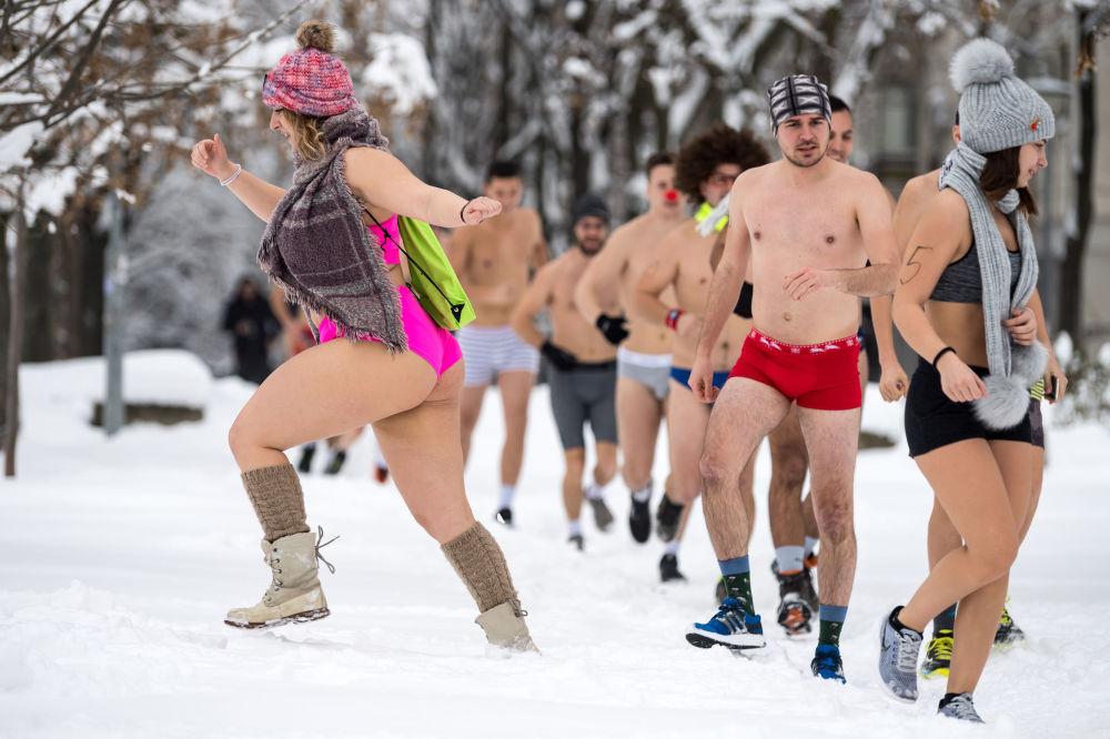Corrida anual de cuecas na Sérvia, em 26 de janeiro de 2019
