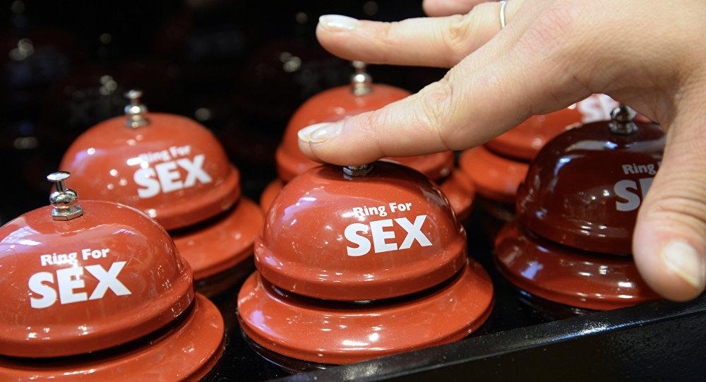Sinos em loja de brinquedos eróticos em Paris, na França, 2 de agosto de 2013 (imagem referencial)