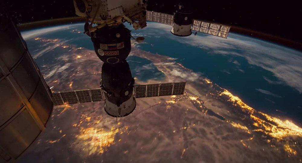 Vista do espaço da nave espacial Soyuz