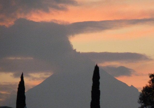 Vulcão mexicano Popocatépetl