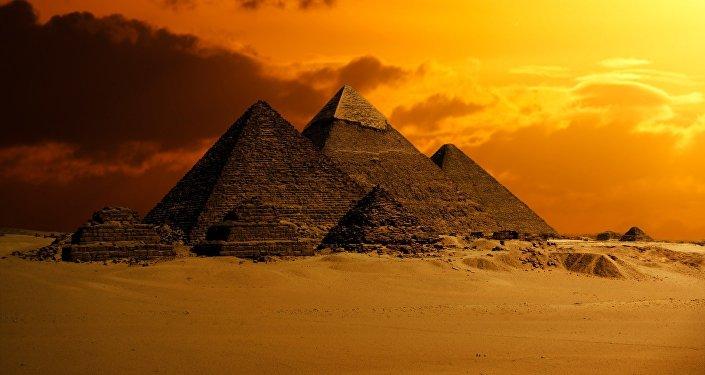 Grande Pirâmide de Gizé, Egito