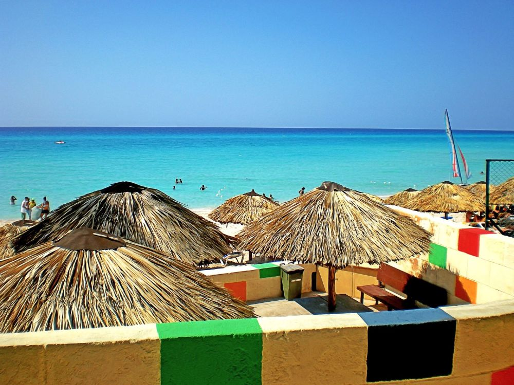 Praia em Varadero, localizada no país insular de Cuba