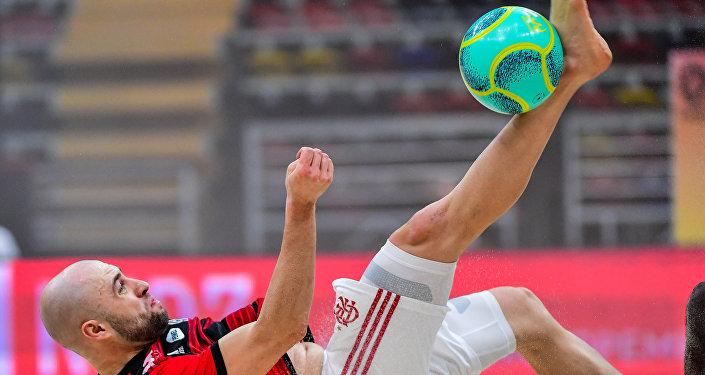 Jogador do Flamengo Sergei Stepliani durante uma partida do Mundialito de Clubes de Futebol de Areia 2019 em Moscou