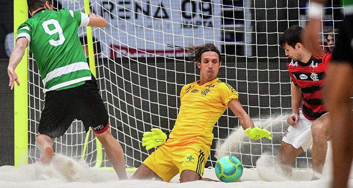 Elinton Andrade, goleiro do Flamengo, durante o jogo contra o Sporting no Mundialito de Clubes de 2019