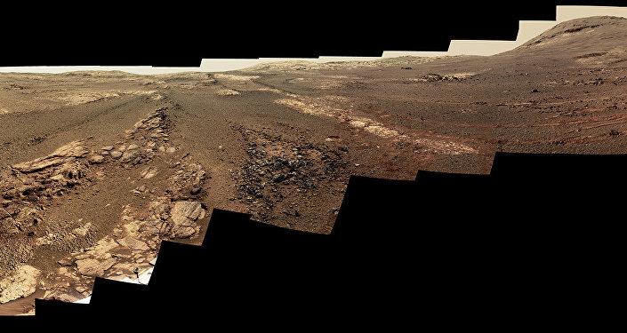 Versão modificada do panorama de Marte feita a partir das imagens tiradas pela sonda Opportunity da NASA