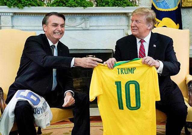 Jair Bolsonaro se reúne com Donald Trump no Salão Oval da Casa Branca