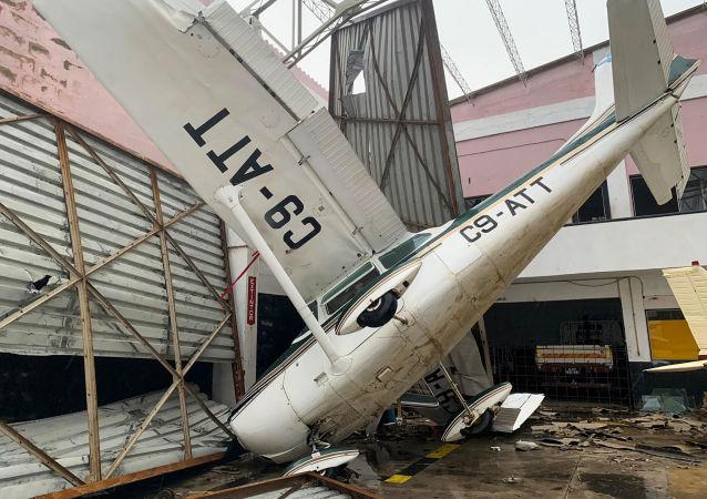 Danos no aeroporto moçambicano de Beira após a passagem do ciclone tropical Idai