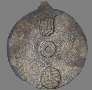 Antigo astrolábio de metal utilizado pela armada portuguesa na segunda expedição de Vasco da Gama à Índia