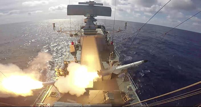 Momento do lançamento do míssil a bordo da Fragata Independência