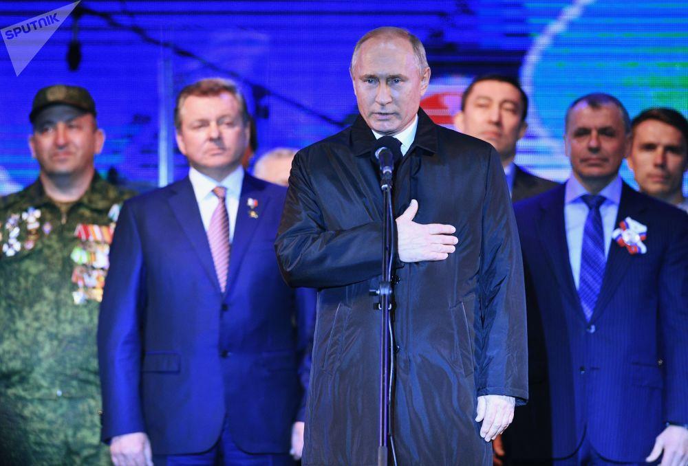 Presidente russo Vladimir Putin durante a celebração do quinto aniversário da reunificação da Crimeia e Rússia
