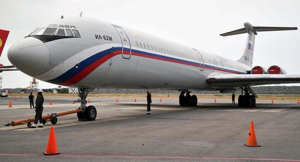 Il-62 russo que chegou à Venezuela com militares e equipamento