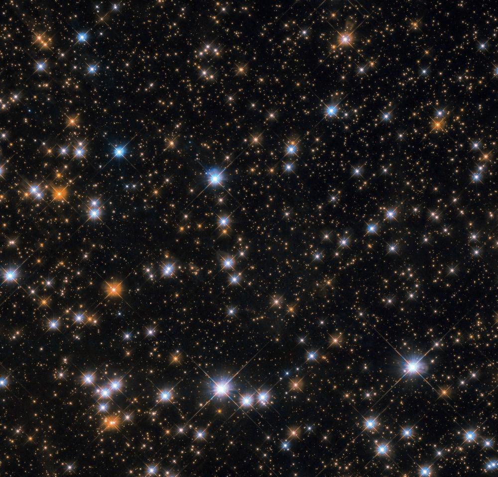 O aglomerado Messier 11 na constelação de Scutum