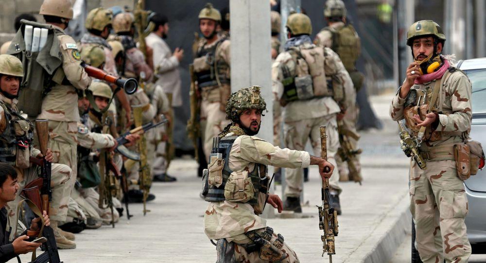 Forças de segurança afegãs patrulham território após explosão em Cabul (arquivo)