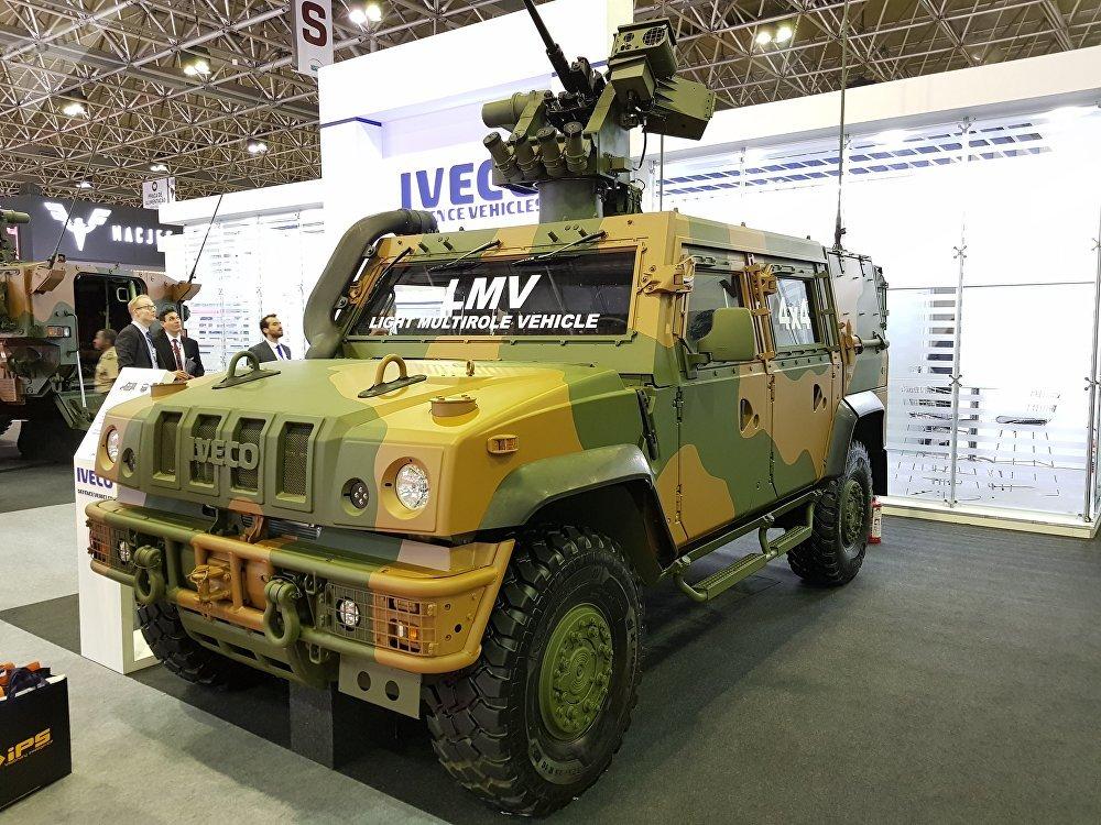 Veículo blindado LMV Lince, usado pelo Exército Brasileiro e fabricado pela italiana Iveco