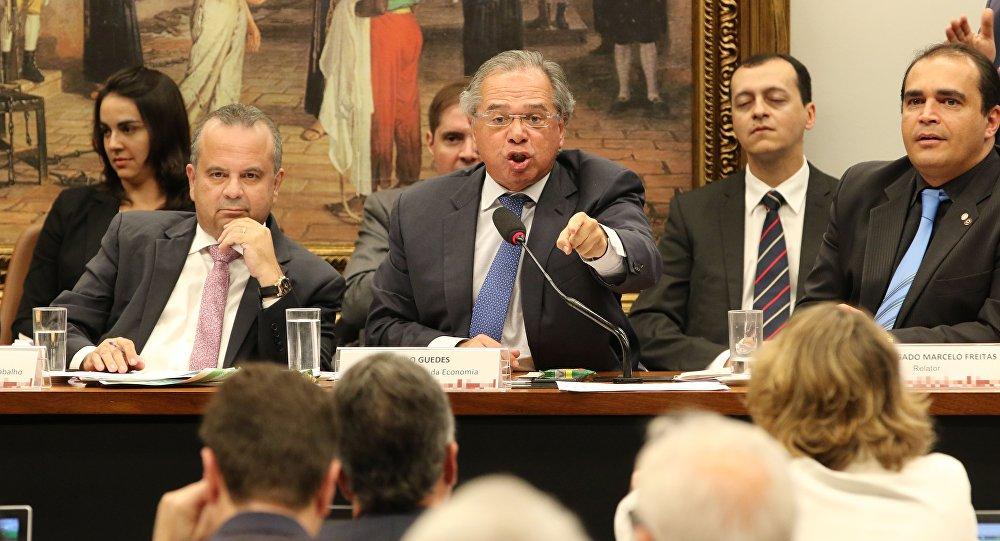 Ministro da Economia, Paulo Guedes, na Comissão de Constituição e Justiça (CCJ) da Câmara, debatendo a reforma da Previdência (arquivo)