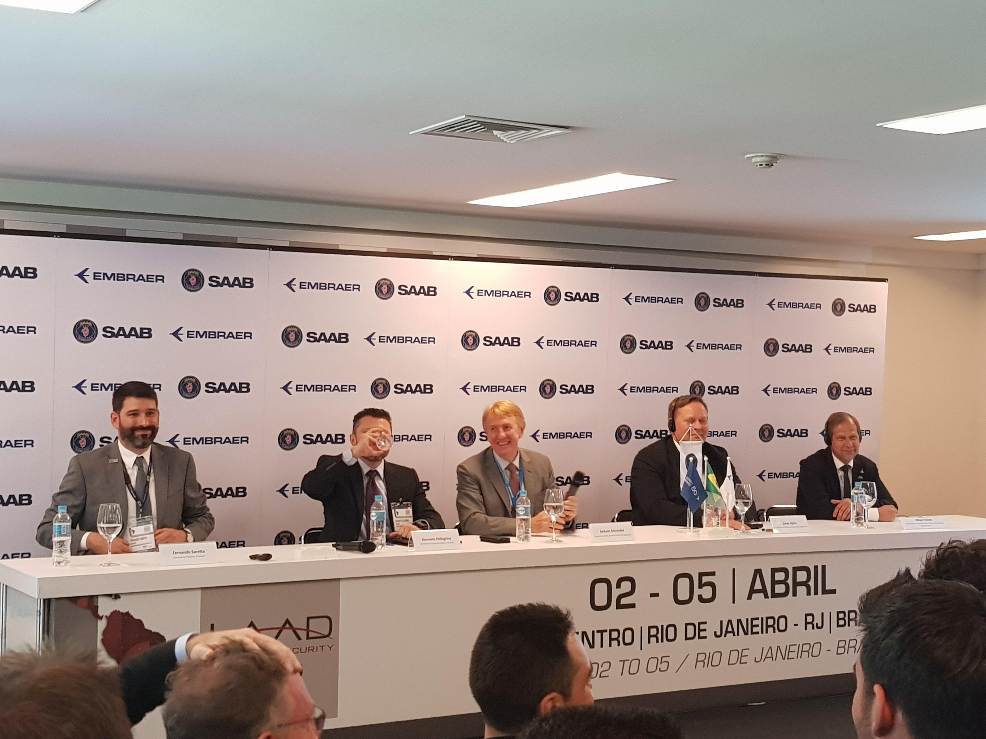 Executivos da Embraer e da Saab falaram na LAAD 2019 sobre o andamento do Programa Gripen