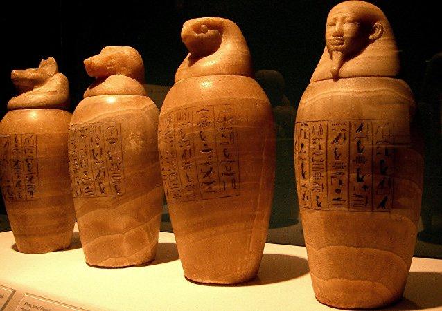 Vaso canópico utilizado no Antigo Egito para colocar órgãos retirados do morto durante o processo de mumificação