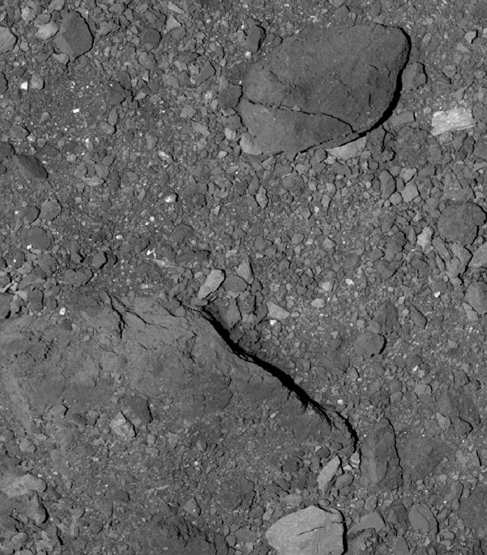 Superfície do asteroide Bennu