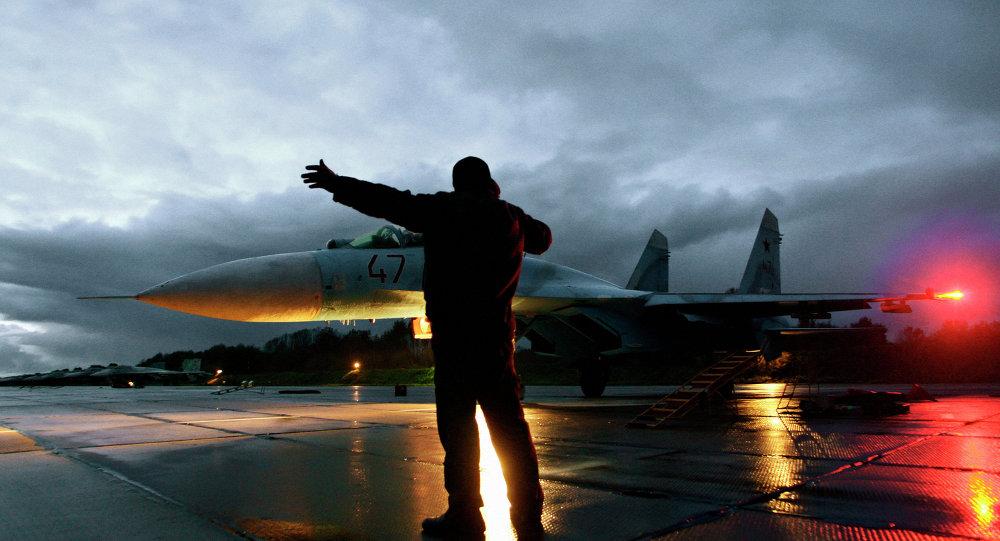 Caças Su-27 na região de Kaliningrado