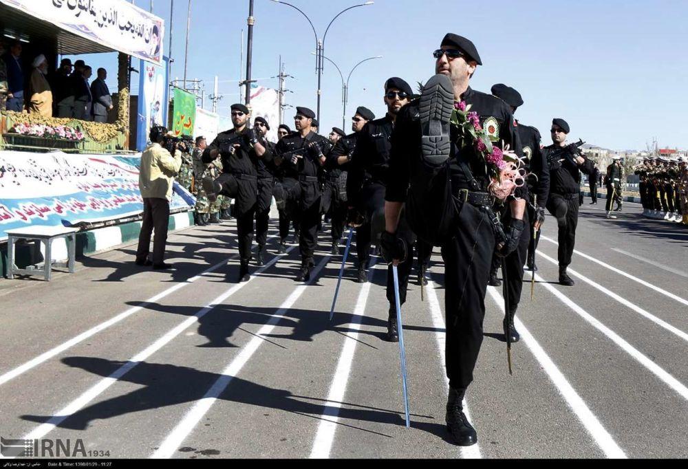 Por isso os militares do Exército aparecem em desfiles mais frequentemente com armamentos pesados