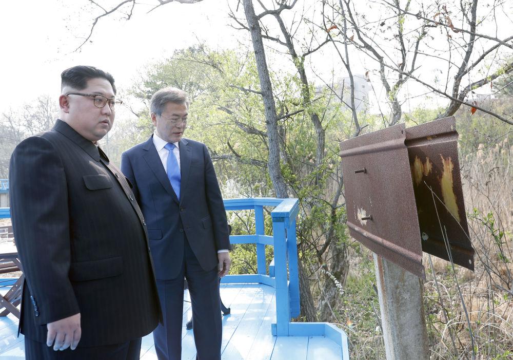 Kim Jong-un e Moon Jae-in, presidente sul-coreano, durante encontro na Coreia do Sul