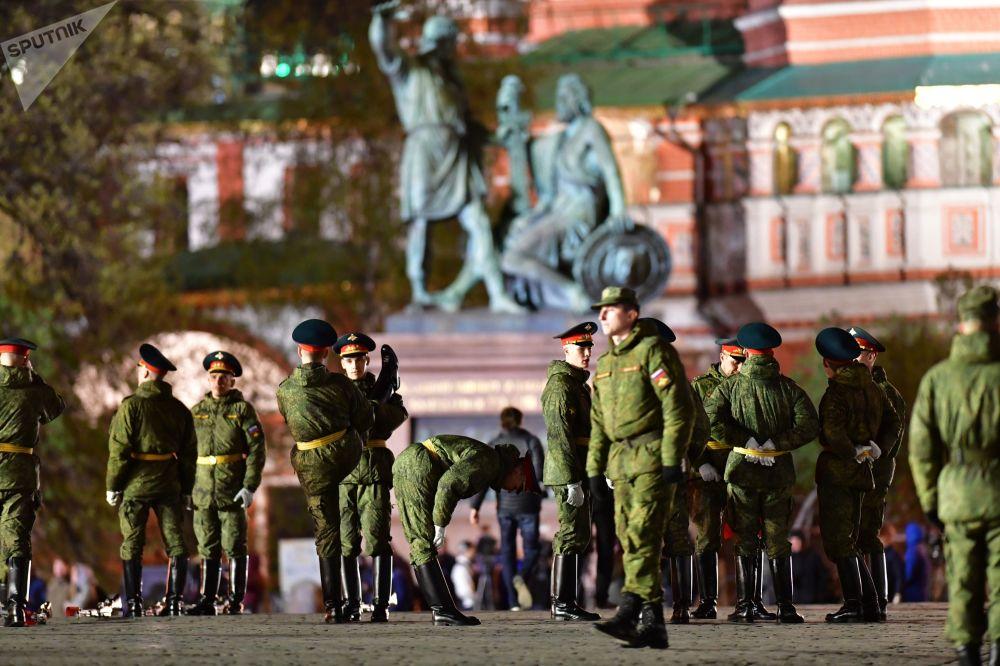 Ensaio da parada militar dedicada ao 74º aniversário da vitória na Grande Guerra Patriótica, em Moscou, Rússia