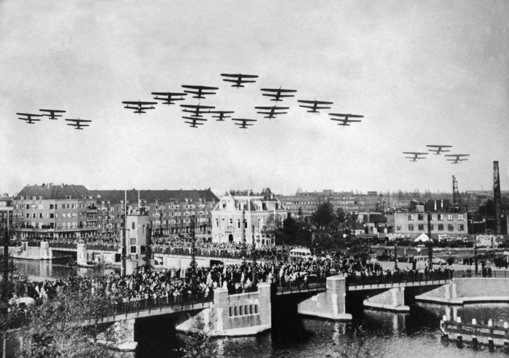 Aviões sobre os céus da Holanda durante a Segunda Guerra Mundial, 1939